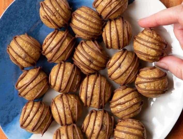 3 ingredient peanut butter oatmeal balls